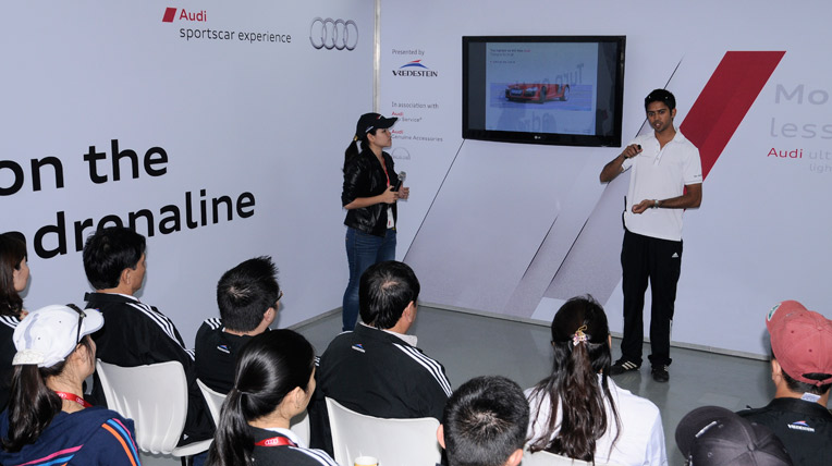 Trải nghiệm Audi R8 tại trường đua F1
